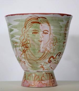 Vase aux baigneuses et cygnes